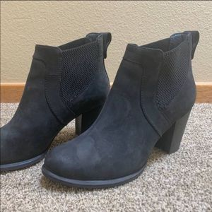Like new UGG boots (size 8)